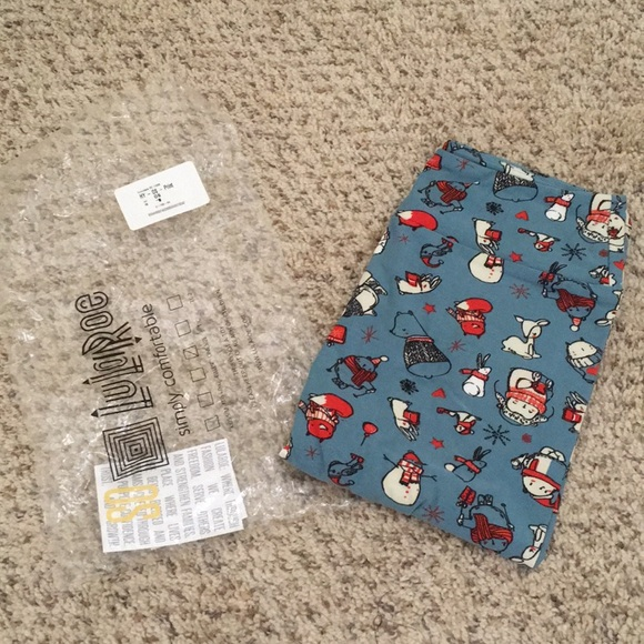LuLaRoe Pants - NWT LuLaRoe One Size Leggings Winter Holiday
